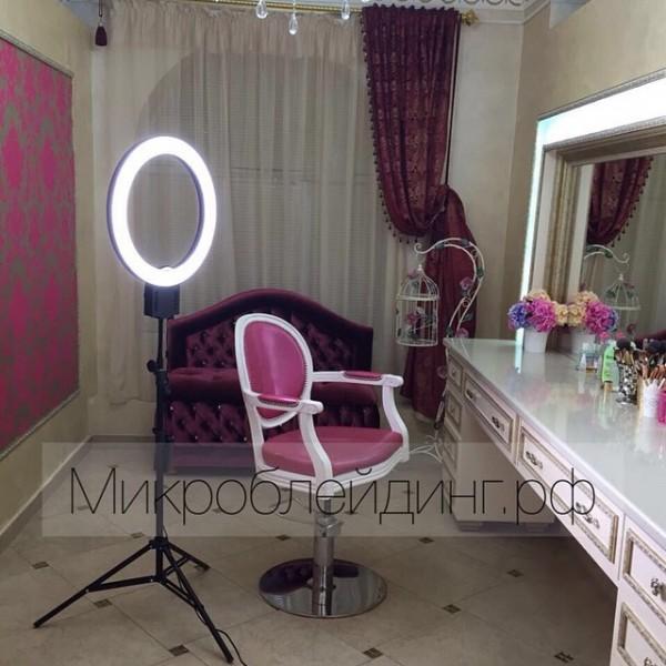 флюоресцентная лампа для визажиста